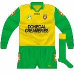 1996-97: Long-sleeved jersey with Donegal Creameries in a blockier font.