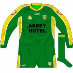 2004: New goalkeeper jersey to match the wrapover neck design introduced on the outfield shirt.