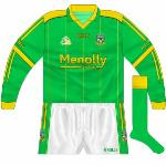 2006-07: New design introduced in 2005, featuring new sponsors the Menolly Group and a lighter shade of green, with gold pinstripes also included.