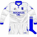 1995: Long-sleeved jersey used during the league, with the 'Oil' part of the Tedcastles Oil wordmark oddly elongated.