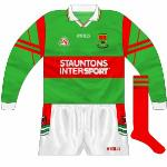 2000: Rarely-seen long-sleeved jersey, with the Tara sleeve design used.